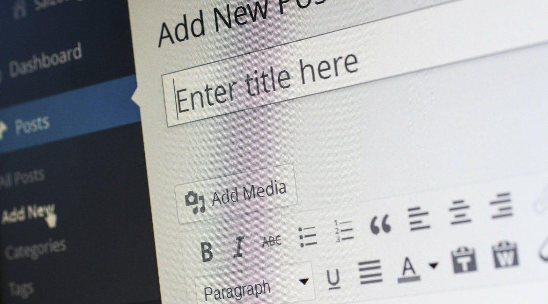 is blogging relevant in 2021